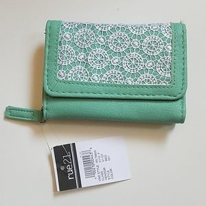 Teal lace Rue 21 Wallet nwt
